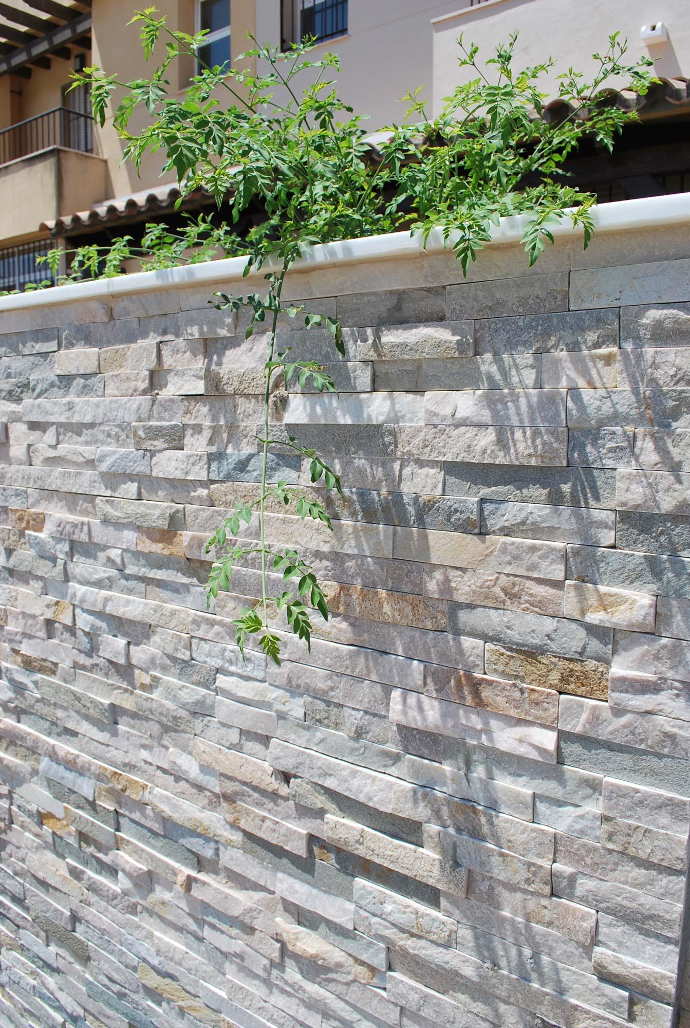 Mur extérieur en pierre naturelle